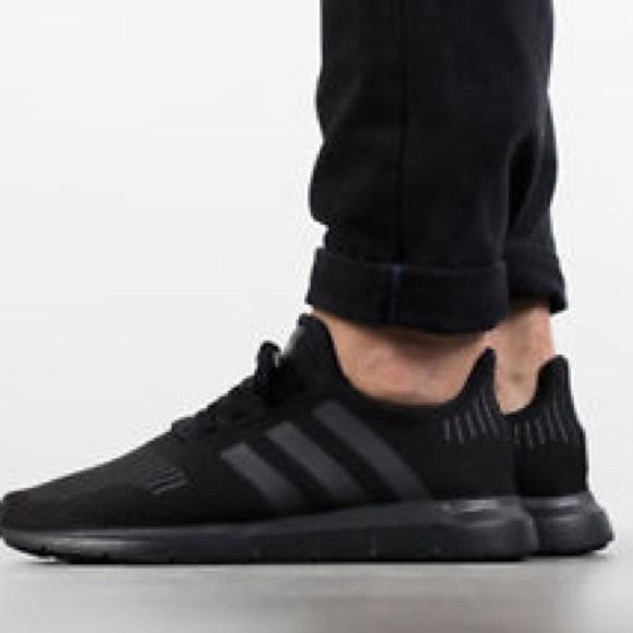 Adidas men's shoes. Swift Run CG4111 NWT